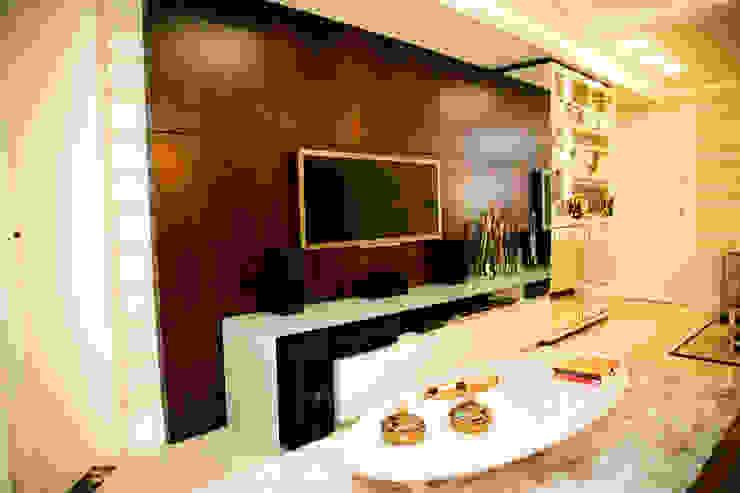 Apartamento Alameda Janeiro 2015 Salas de estar clássicas por Cas Arquitetos Associados Clássico