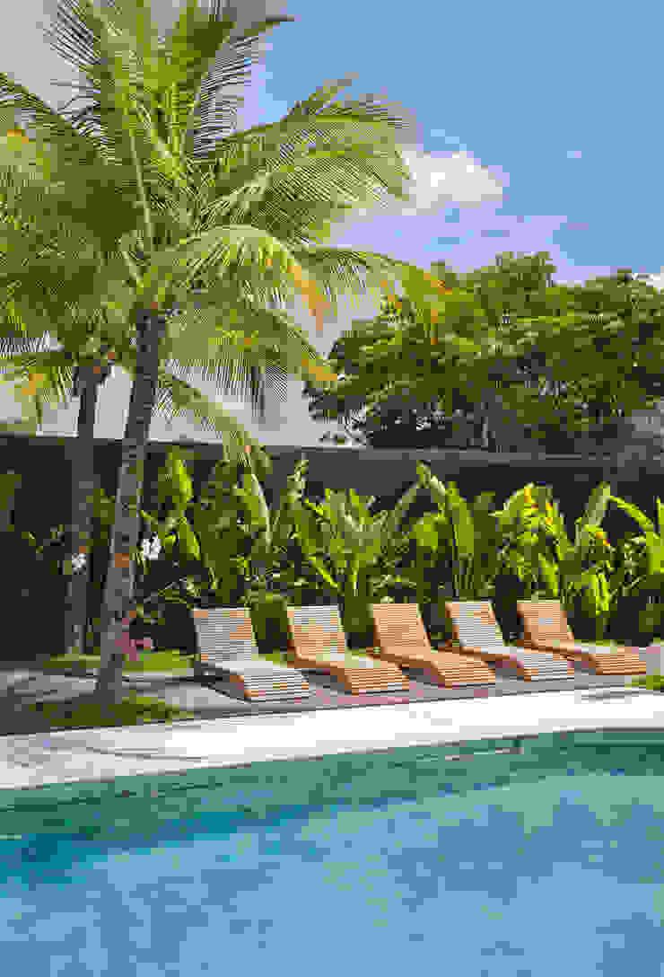 35 House Modern pool by Estúdio Barino   Interiores Modern
