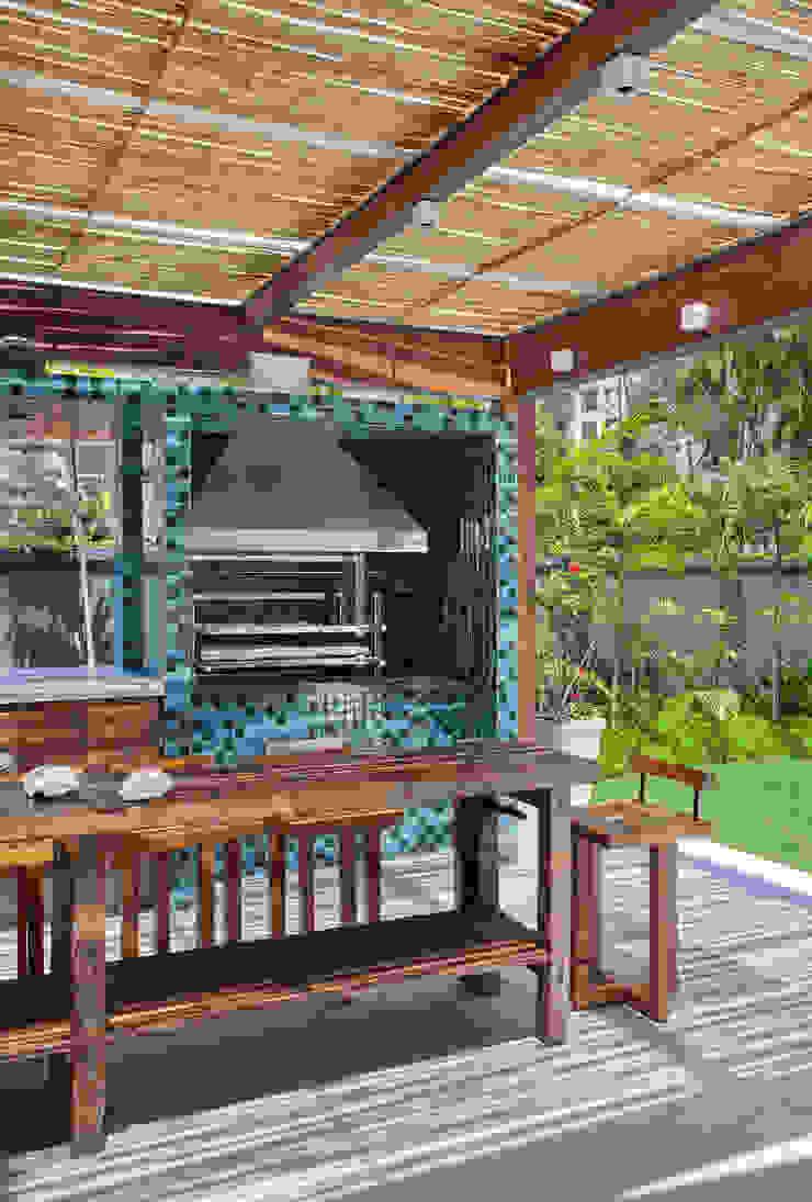 35 House Modern balcony, veranda & terrace by Estúdio Barino   Interiores Modern