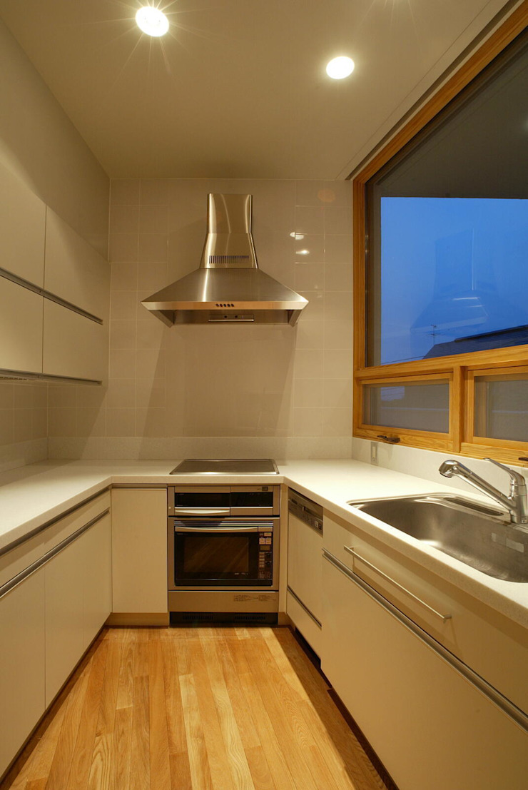 Eclectic style kitchen by キタウラ設計室 Eclectic