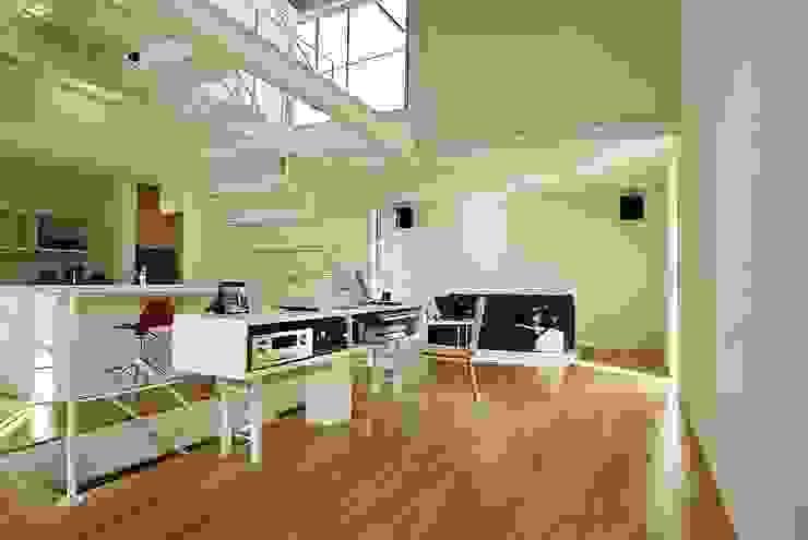 ワンルーム モダンデザインの リビング の 桑原建築設計室 モダン