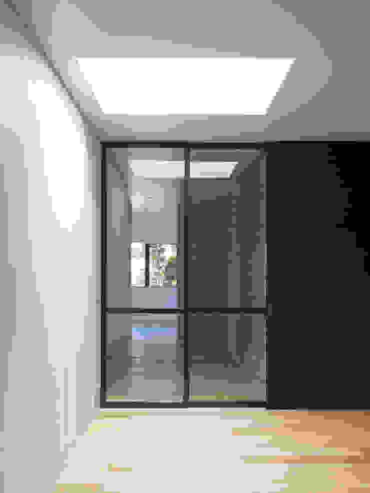 ห้องโถงทางเดินและบันไดสมัยใหม่ โดย ピコグラム建築設計事務所 โมเดิร์น
