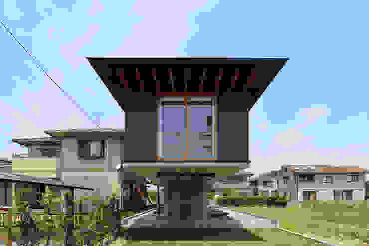 Дома в стиле модерн от 株式会社濱田昌範建築設計事務所 Модерн