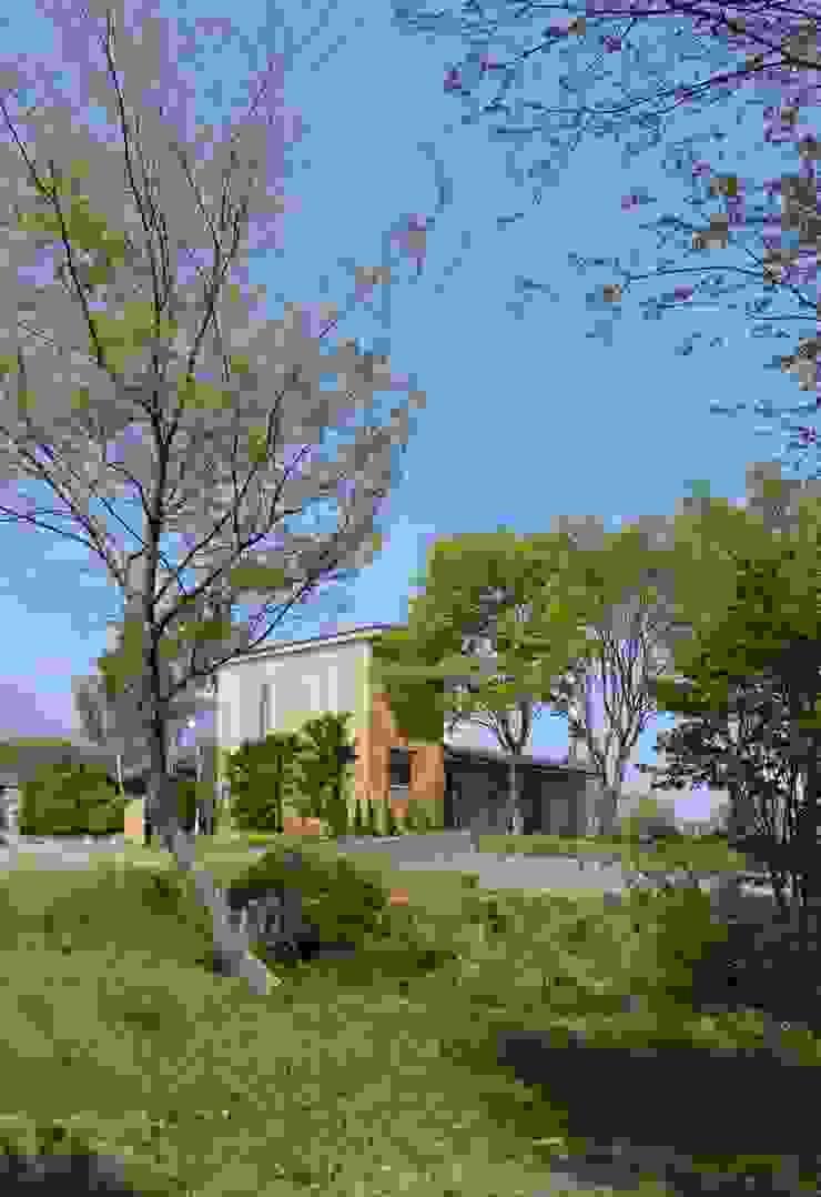 風景に住む モダンな 家 の エヌ スケッチ モダン