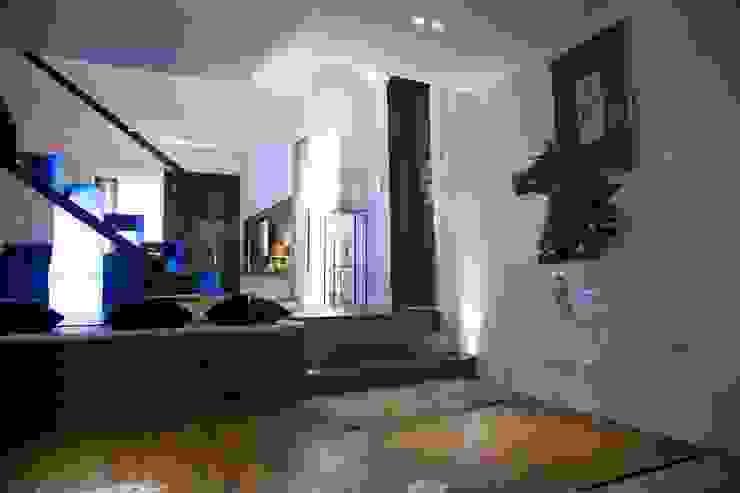 Livings de estilo minimalista de G/G associati studio di ingegneria e architettura _ing.r.guglielmi_arch.a.grossi Minimalista