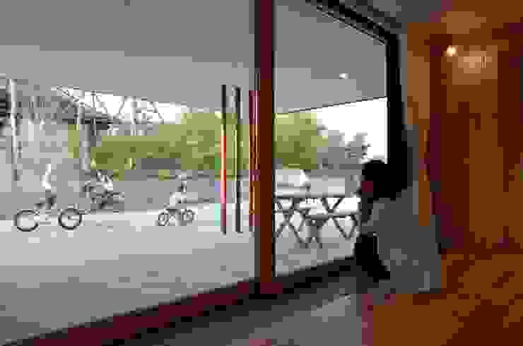 風景に住む モダンデザインの テラス の エヌ スケッチ モダン
