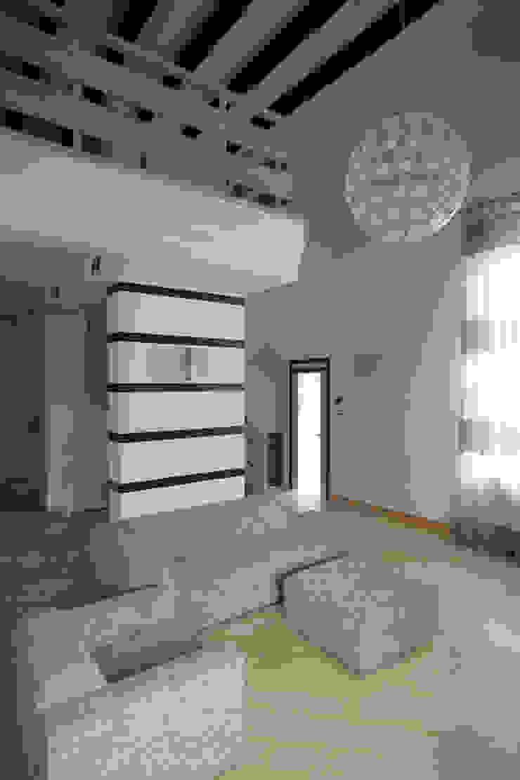 Гостиная Гостиная в стиле минимализм от Inter-Decore Минимализм