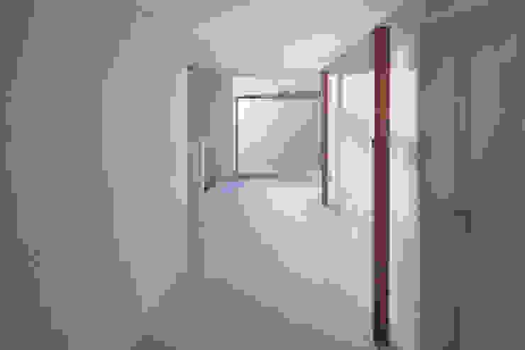 Joeun Sarangchae 모던스타일 주택 by around architects 모던