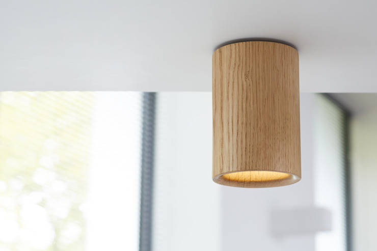 Solid Downlight Cylinder in Natural Oak di Terence Woodgate Moderno