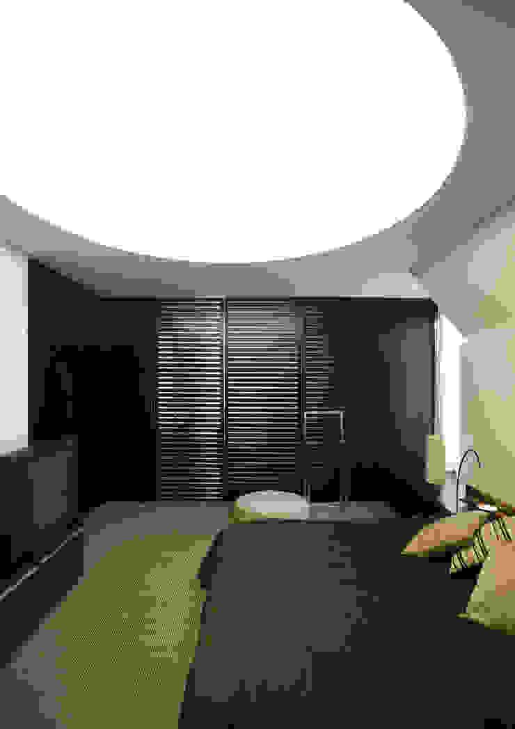 RRJ Arquitectos Moderne Schlafzimmer