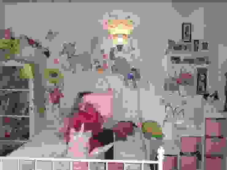 pazza d'arte Modern style bedroom