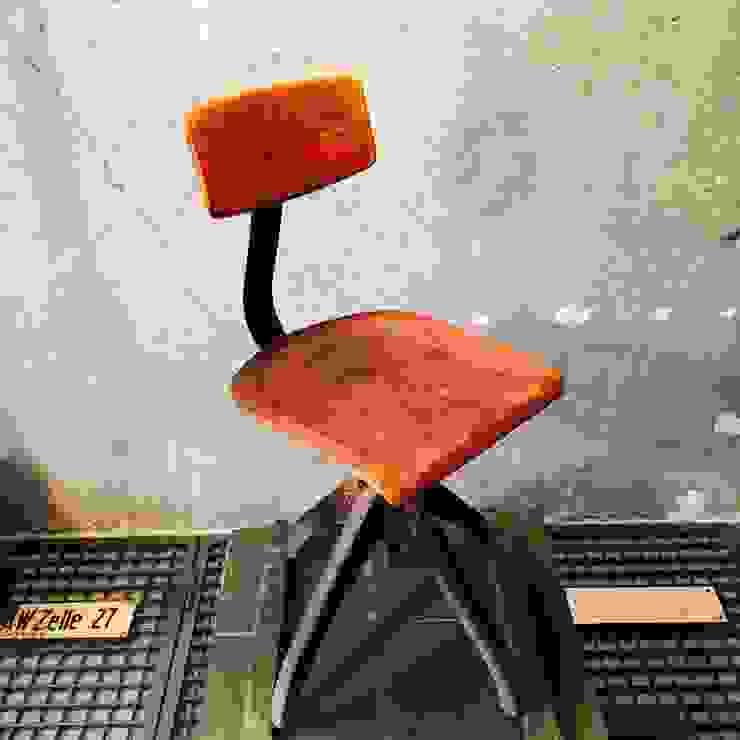 de estilo industrial por Urban Industrial, Industrial Madera Acabado en madera