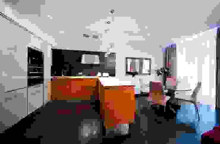 City Oasis – таунхаус в Куркино Nr.1 Кухни в эклектичном стиле от ODS Laboratory Architecture & Design Эклектичный