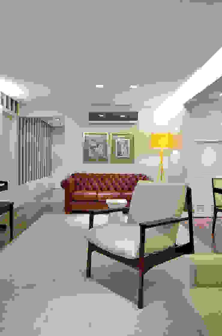 Modern living room by Stúdio Márcio Verza Modern