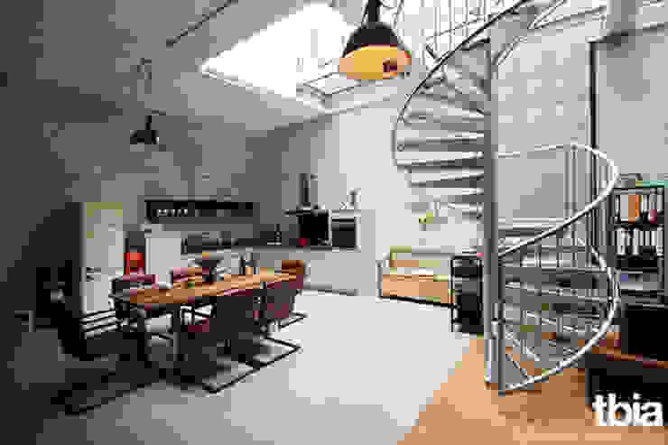 Salas de jantar industriais por tbia - Thomas Bieber InnenArchitekten Industrial