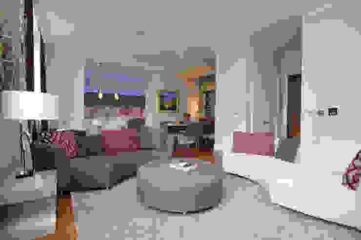 Salas / recibidores de estilo  por NSI DESIGN LTD