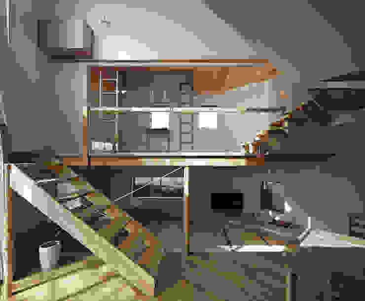 畳リビングとその上の子供スペースを正面から見る: 宮武淳夫建築+アルファ設計が手掛けたダイニングです。,オリジナル