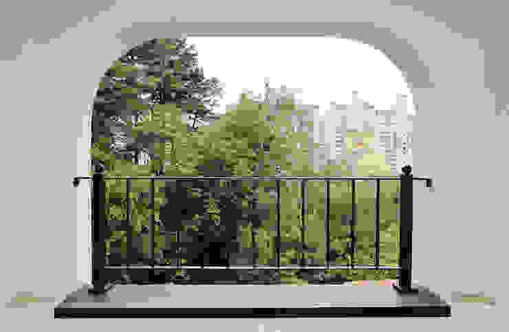 Balcones y terrazas de estilo escandinavo de homify Escandinavo