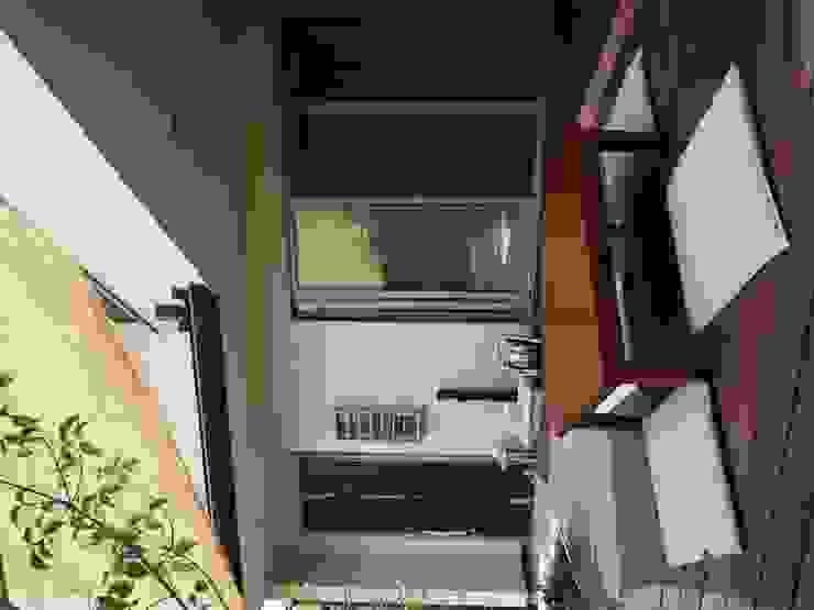 よしだみわこ建築設計事務所 Asian style balcony, veranda & terrace