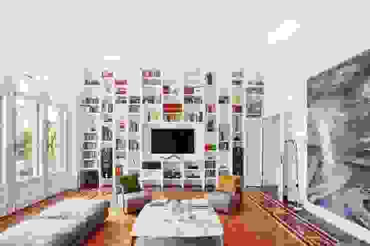 Appartamento Via Elba - Milano: Soggiorno in stile  di PADI Costruzioni srl