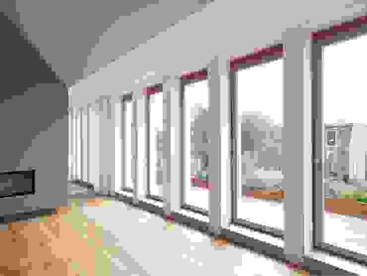 Dachwohnung Köln Moderne Wohnzimmer von Bachmann Badie Architekten Modern