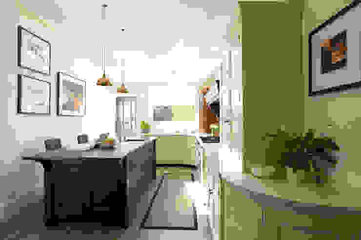 Classic Contemporary Bespoke Kitchen, Kent Humphrey Munson Classic style kitchen