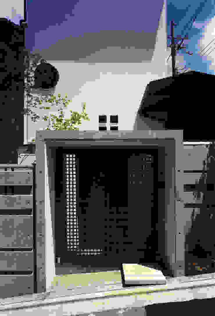 東福寺の家 モダンな 家 の 株式会社 坂田基禎建築研究所 モダン