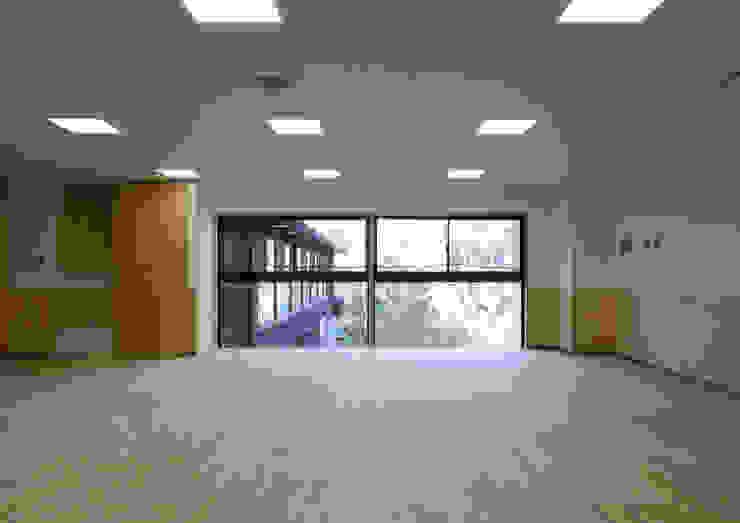 2階保育室 アジア風学校 の ユニップデザイン株式会社 一級建築士事務所 和風