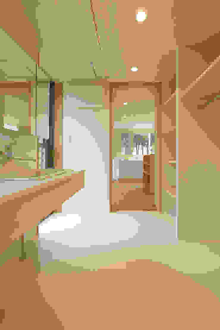 house in Ishikawauchi モダンスタイルの お風呂 の とやま建築デザイン室 モダン