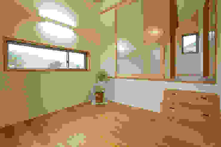 house in Ishikawauchi モダンデザインの 多目的室 の とやま建築デザイン室 モダン