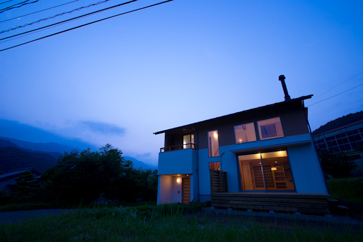 house in Ishikawauchi モダンな 家 の とやま建築デザイン室 モダン