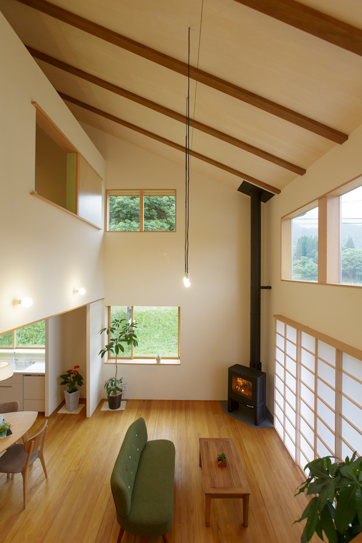 house in Ishikawauchi モダンデザインの リビング の とやま建築デザイン室 モダン