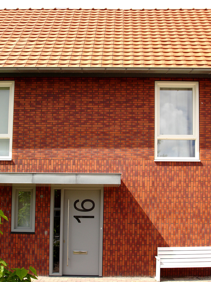 Voorgevel met entree PAA Pattynama Ahaus Architectuur Moderne huizen