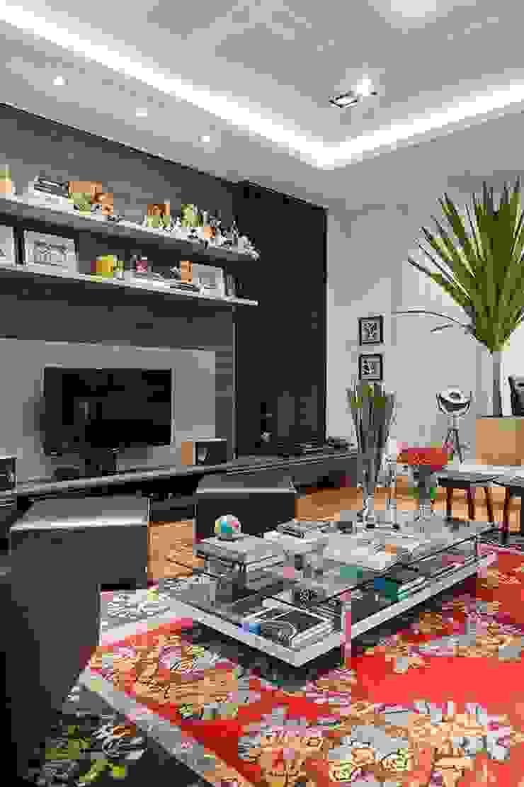 Casa AP+VP Salas de estar modernas por ANDRÉ PACHECO ARQUITETURA Moderno