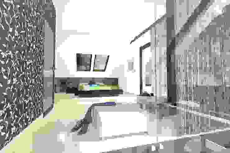 DZP-9 – dom energooszczędny i pasywny Minimalistyczna sypialnia od ABC Pracownia Projektowa Bożena Nosiła - 1 Minimalistyczny