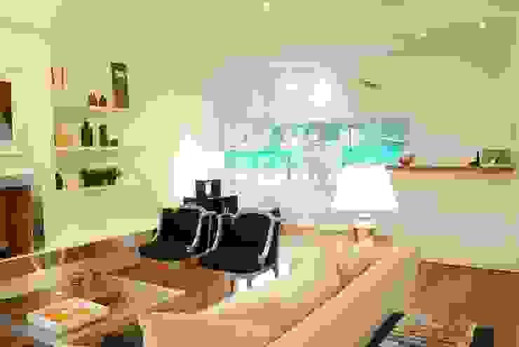 Ruang Keluarga Modern Oleh Estudio de Arquitectura Clariá & Clariá Modern
