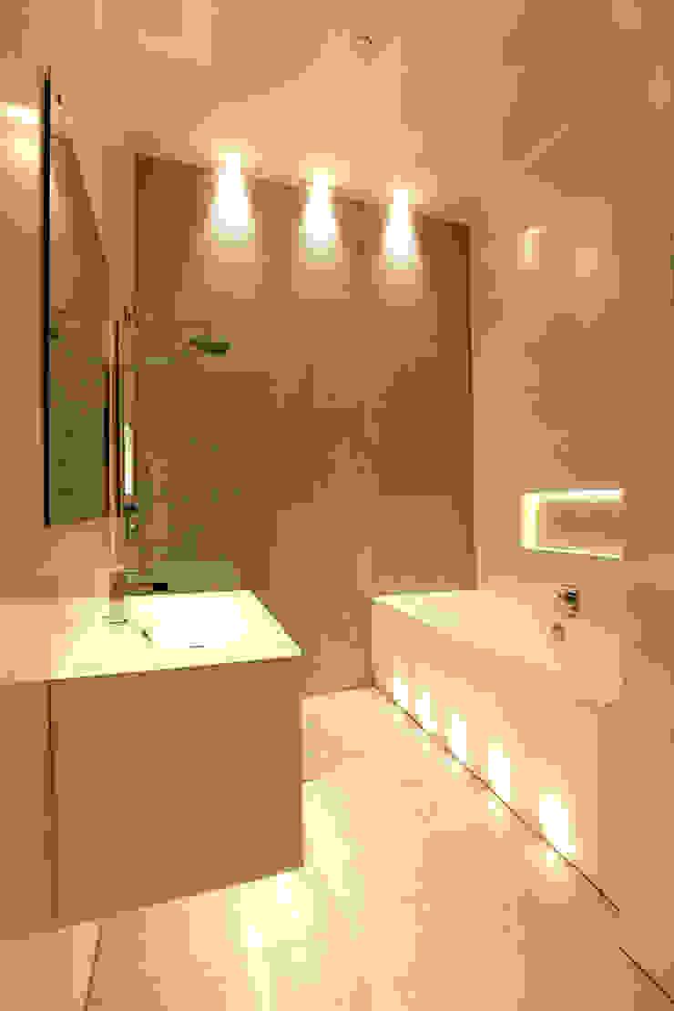Baños de estilo moderno de Brand Olink Architecten Moderno