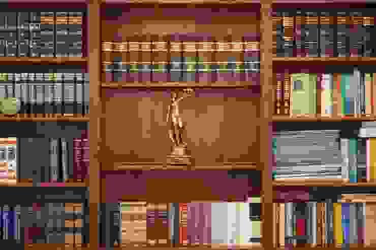 Oficina Estudios y oficinas clásicos de Arquitectura Laura Napoli Clásico