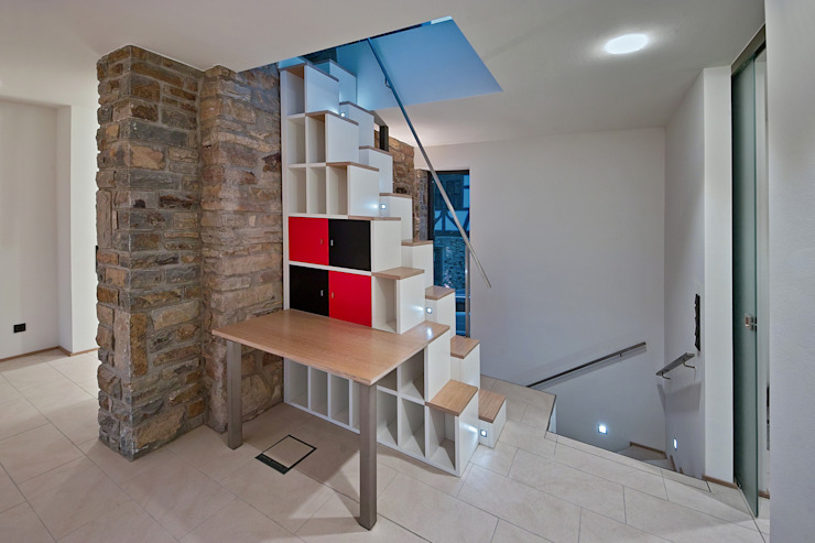 Corredores, halls e escadas rústicos por GUCKES & PARTNER Architekten mbB Rústico