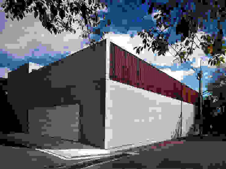 長岡京の住宅 モダンな 家 の 宮崎仁志建築設計事務所 モダン