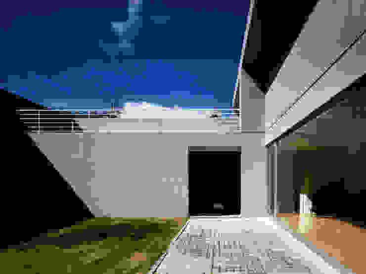 長岡京の住宅 モダンな庭 の 宮崎仁志建築設計事務所 モダン