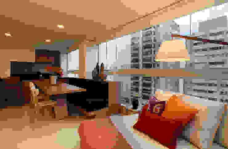 Balcones y terrazas de estilo ecléctico de Duda Senna Arquitetura e Decoração Ecléctico