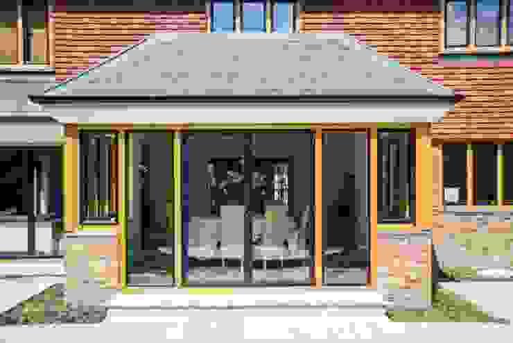 Clement EB24 steel windows Minimalist windows & doors by homify Minimalist