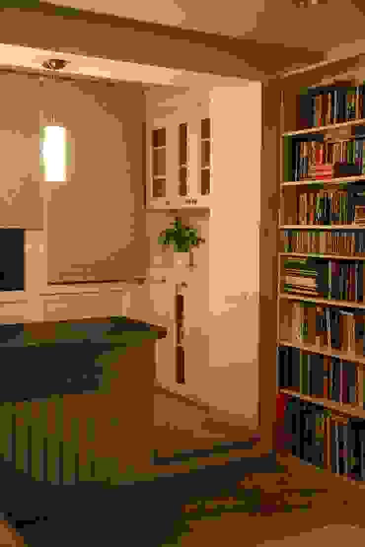 Дизайн-проект двухкомнатной квартиры. Крылатские холмы. Балкон и терраса в стиле минимализм от artzona.ru Минимализм