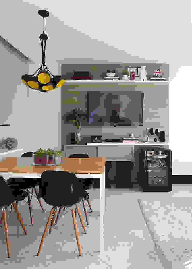 Duda Senna Arquitetura e Decoração SalonesMuebles de televisión y dispositivos electrónicos