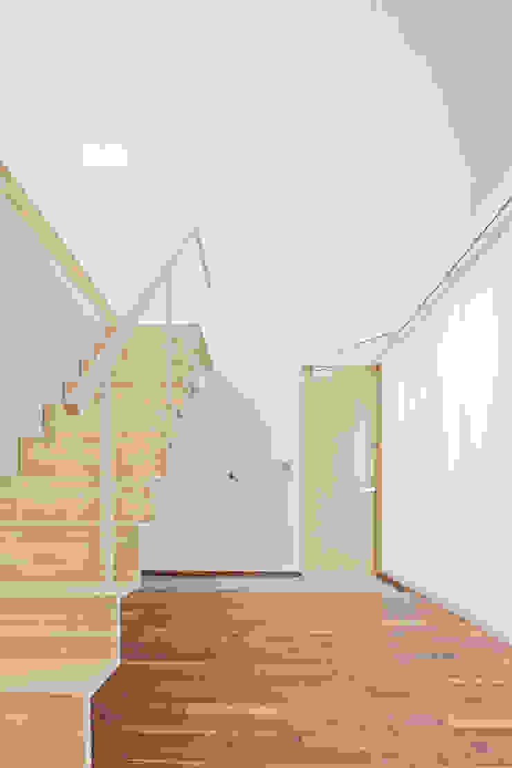白砂孝洋建築設計事務所 Puertas y ventanas minimalistas