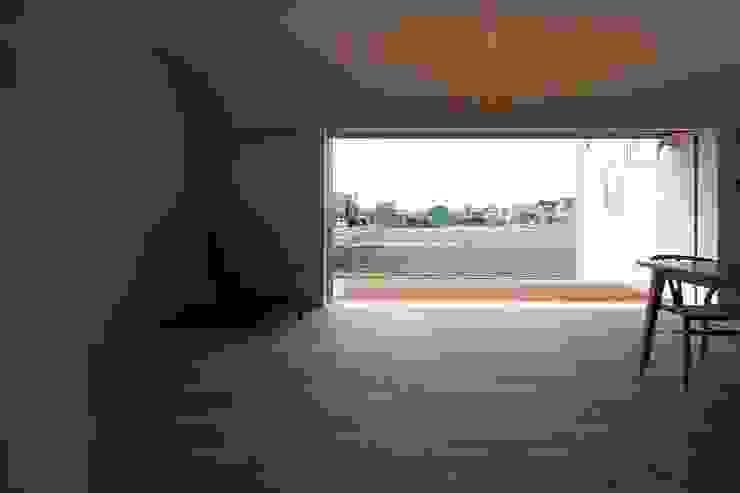 LDK南面 クラシックデザインの リビング の 宇佐美建築設計室 クラシック