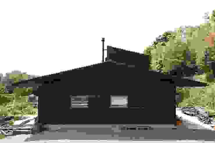 Casas de estilo  de 宇佐美建築設計室, Clásico