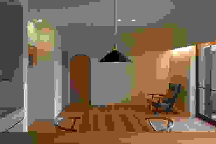 DK クラシックデザインの リビング の 宇佐美建築設計室 クラシック