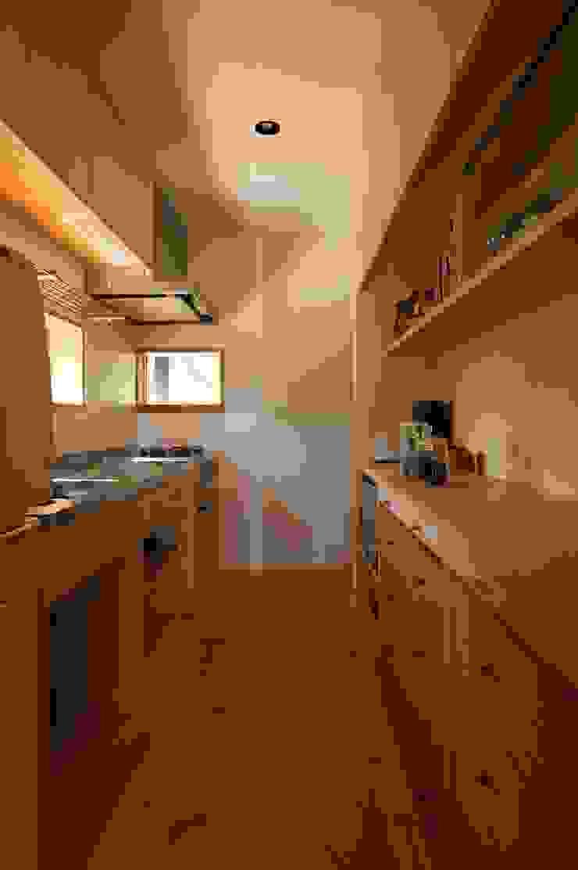 宇佐美建築設計室 Cocinas de estilo clásico
